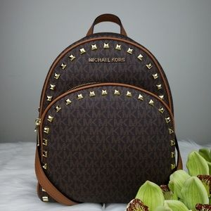 🌺NWT Michael Kors MD Abbey studded backpack brown